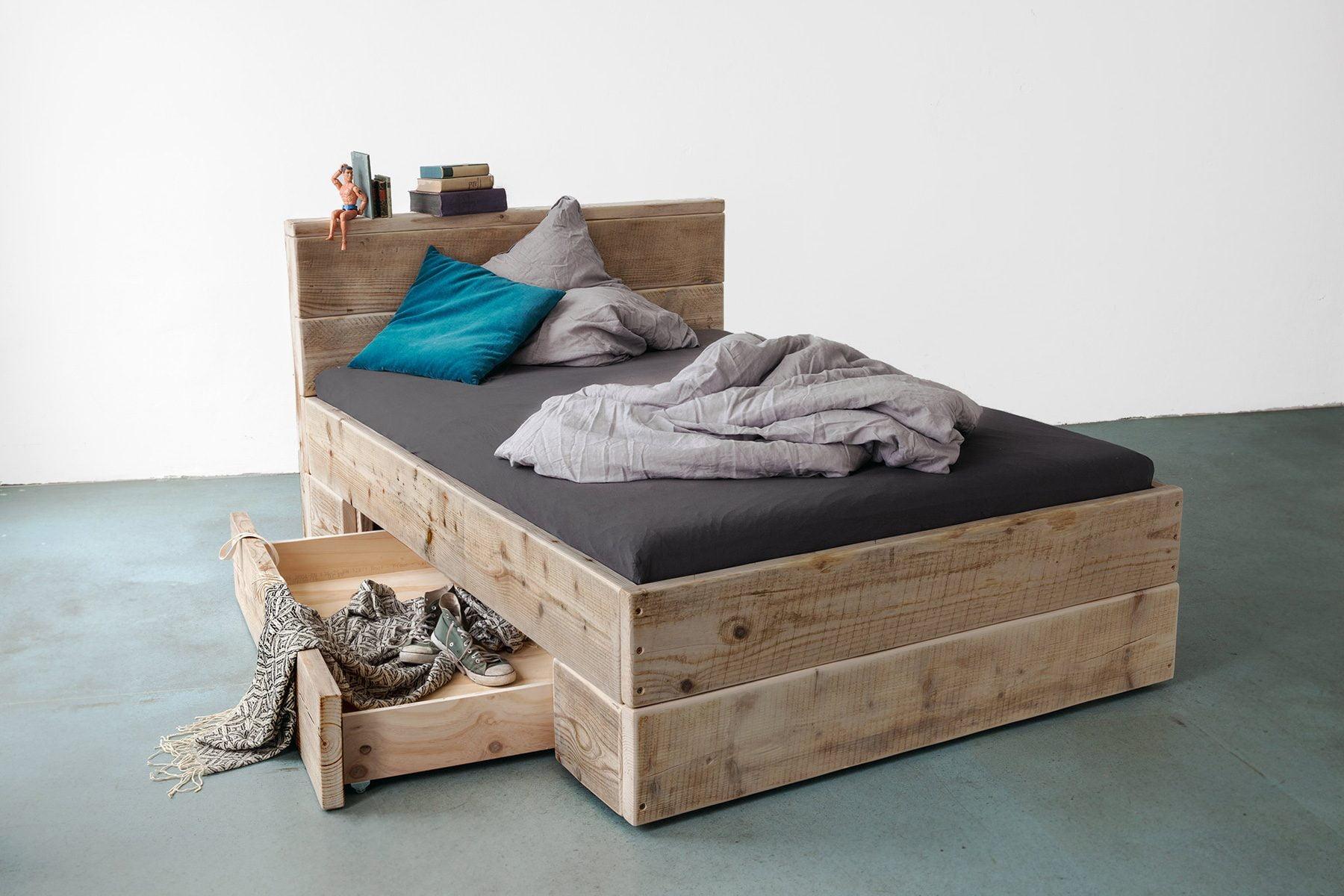Stauraumbett großes Bett Doppelbett Ehebett Bettkasten Schubladen Massivhoz ales bauholz UpCycle Berlin Lehne Kopfteil