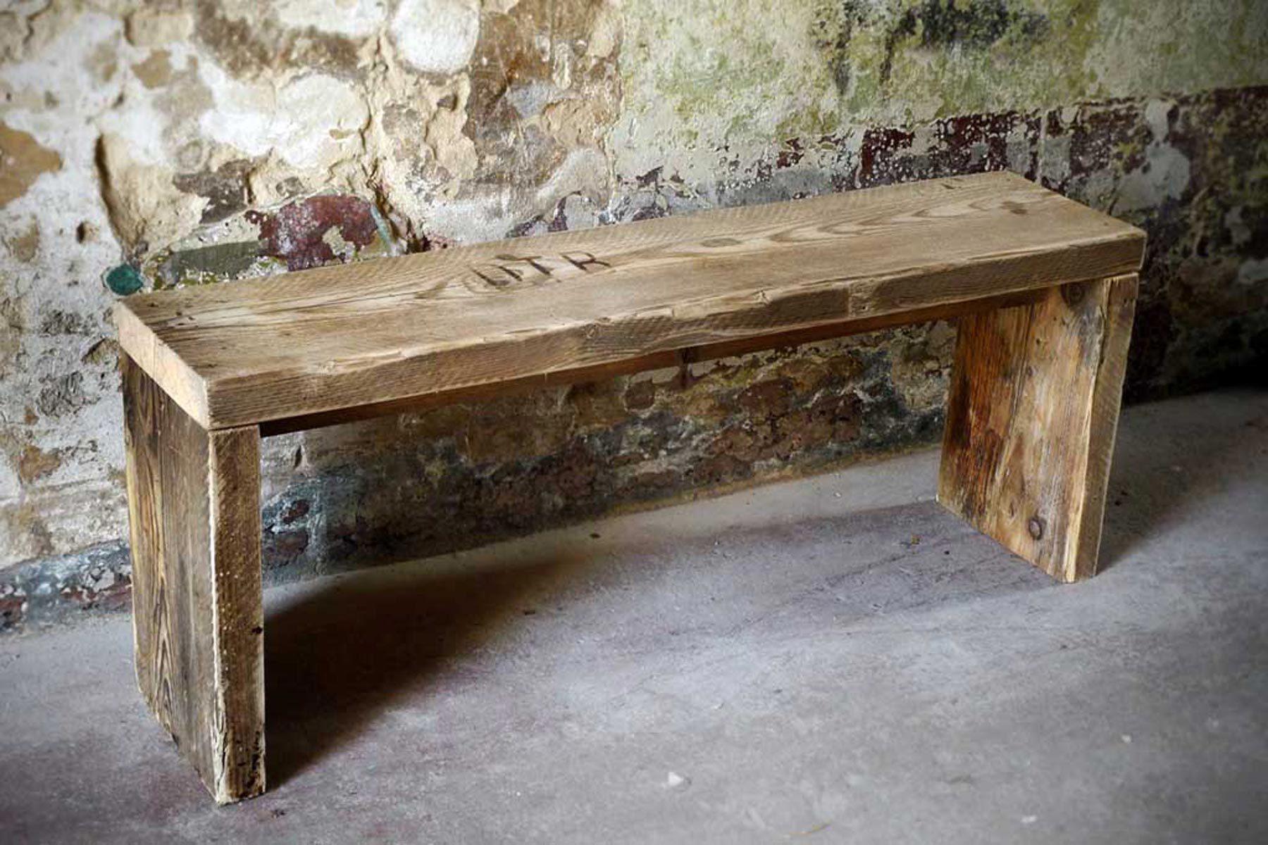 Holz Sitzbank altes bauholz Schemel UpCycle Berlin