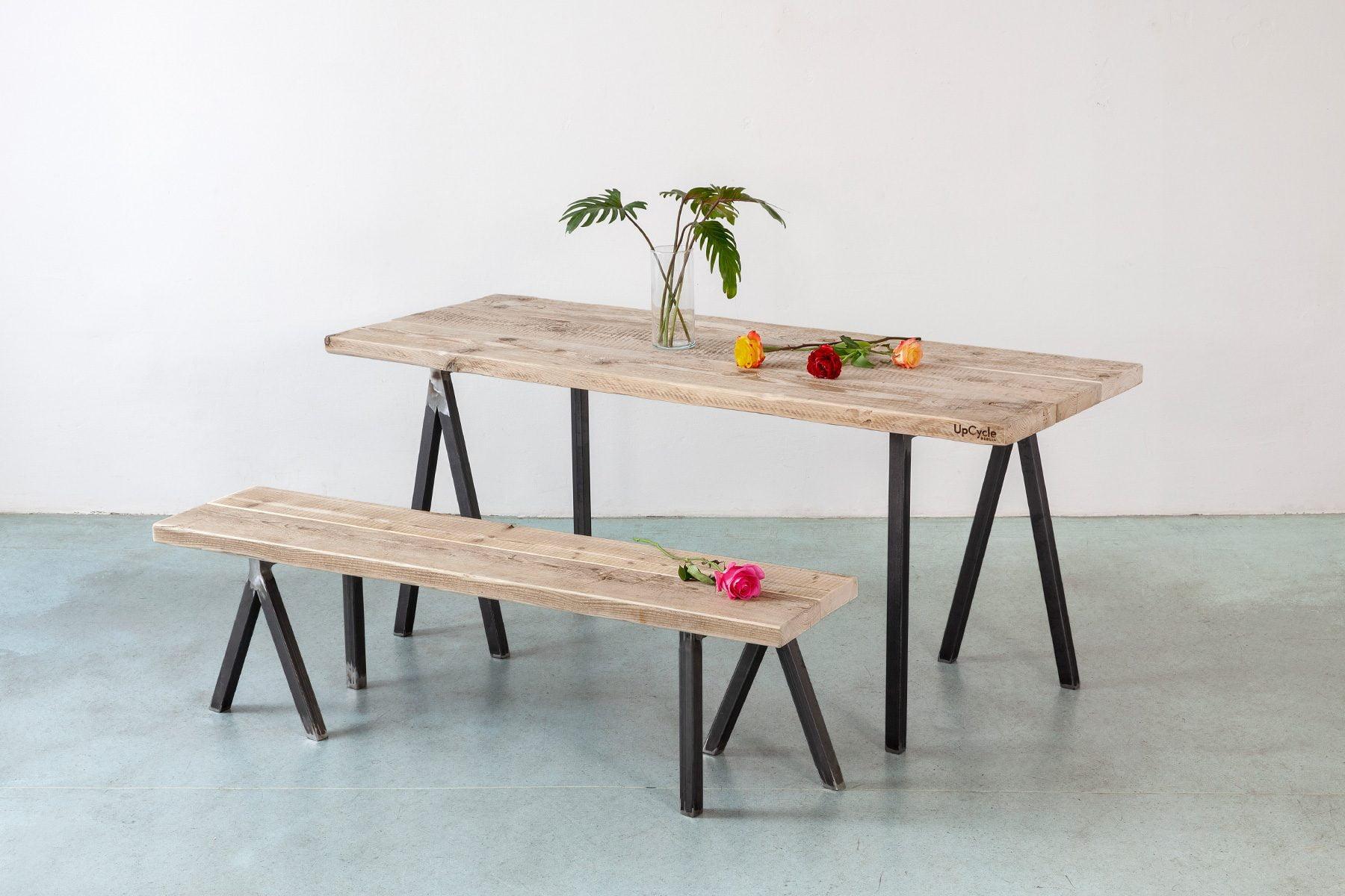 Tischplatte ALPHA nach Mass auf Tischböcken mit Sitzbank UpCycle Berlin