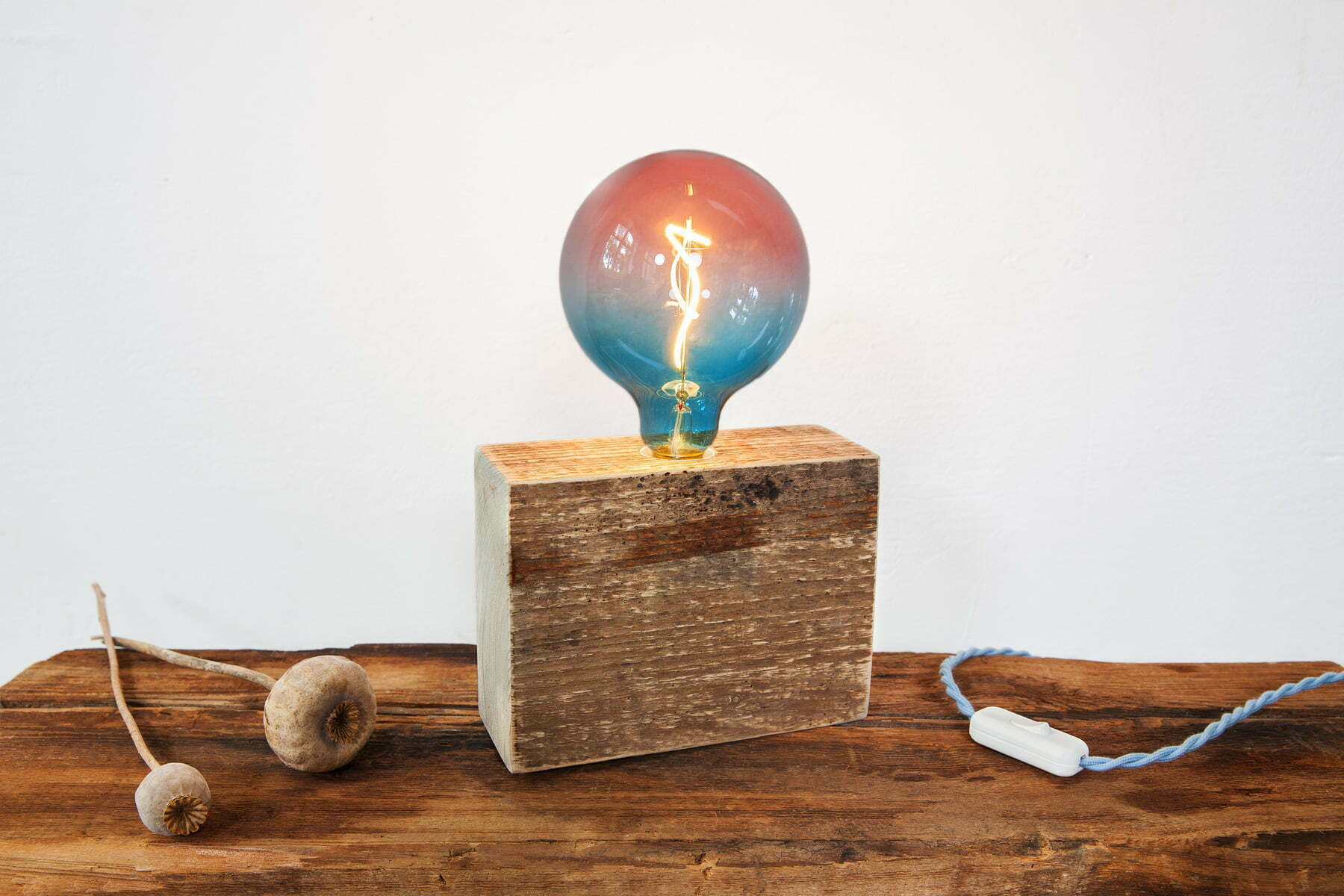 UpCyce-Berlin-Lampe-FIREWOOD-KLOTZ-QUER-Bulp-Muticolor